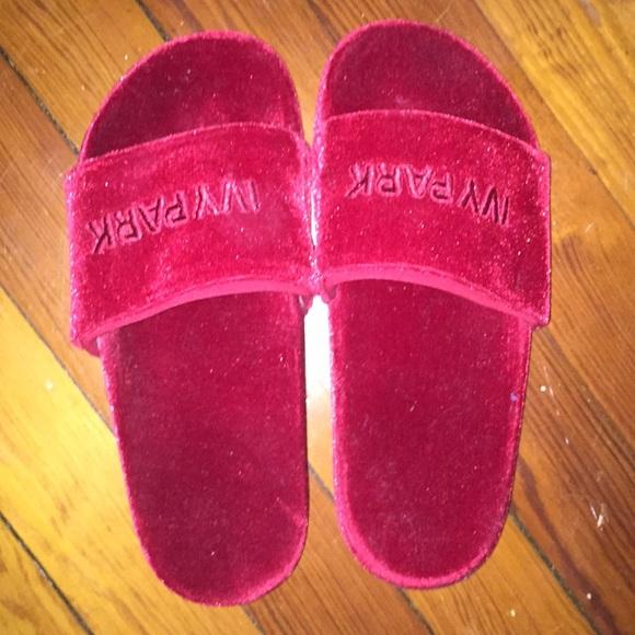 3f2cd8cbe3f IVY PARK Shoes - Red velvet ivy park slide  sandals